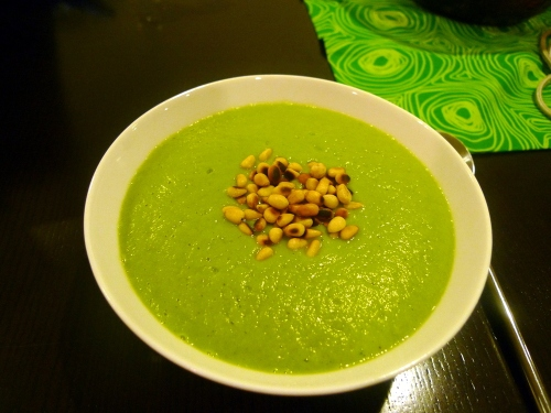 Caulif_and_pesto_soup